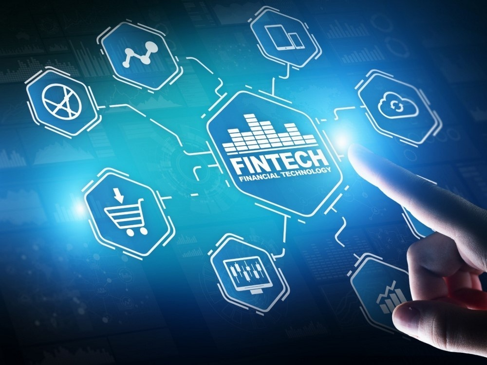 phat trien fintech chat hay luong