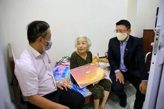 """Nam A Bank đồng hành cùng """"Mai Vàng Nhân Ái"""""""