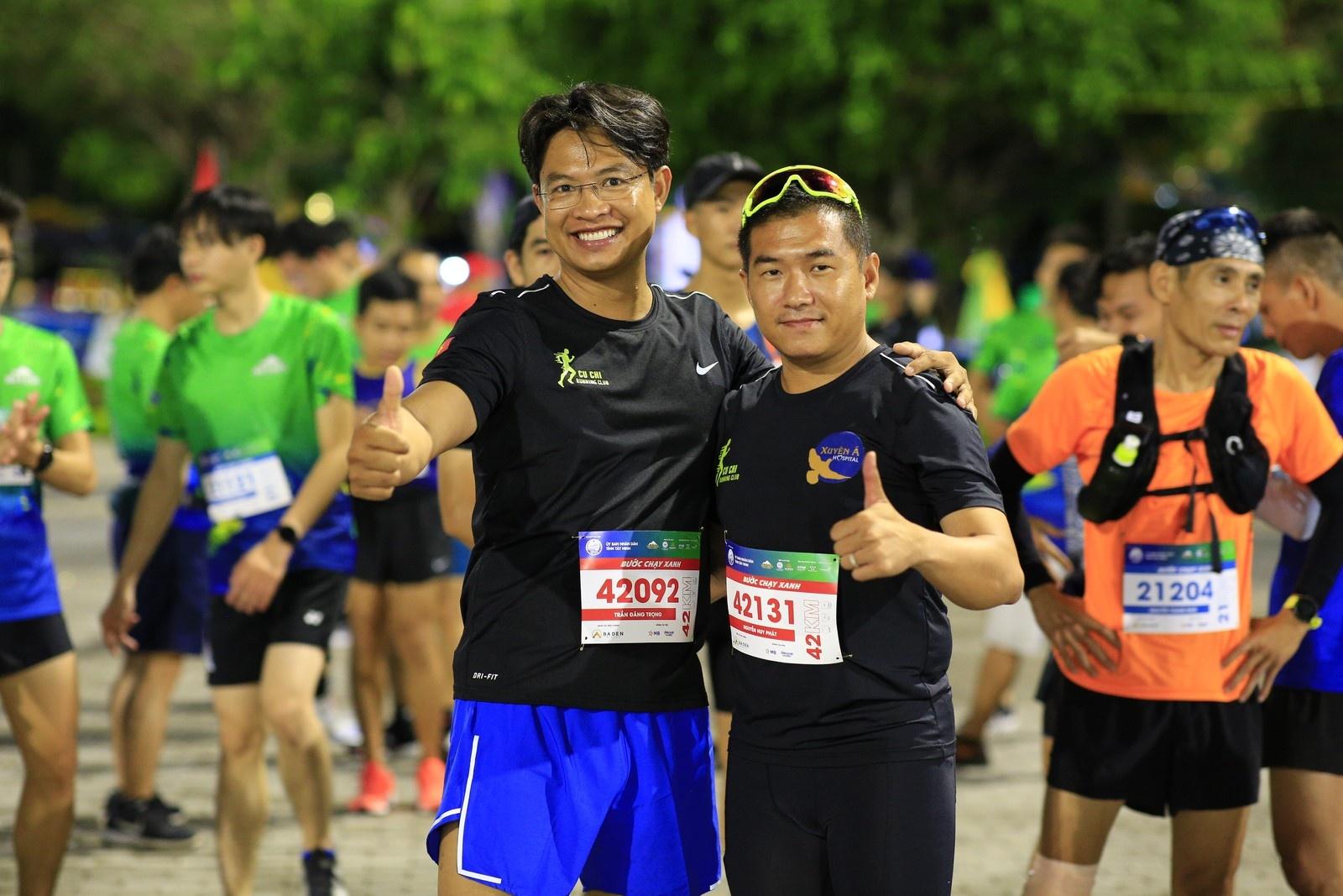 tay ninh tran day suc song trong giai chay baden mountain marathon 2021