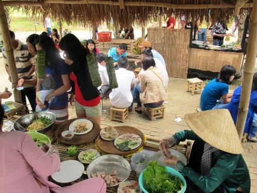 Đưa không gian ẩm thực phục vụ Festival biển 2015
