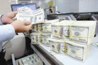 Nhiều ngân hàng niêm yết giá USD kịch trần