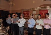 Dâng hương Chủ tịch Hồ Chí Minh nhân ngày thành lập ngành Ngân hàng