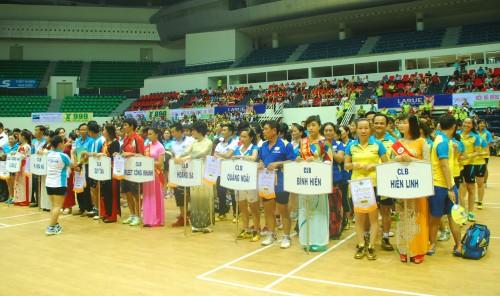 Vietcombank Đà Nẵng tài trợ giải cầu lông truyền thống