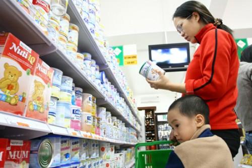 Quản thị trường sữa không chỉ là giá
