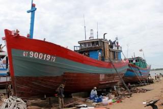 Vietcombank cho vay đóng mới tàu composite đầu tiên theo Nghị định 67