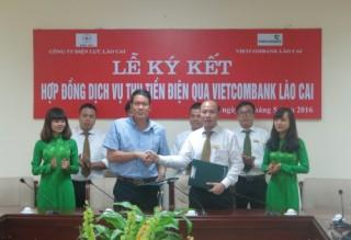 Lào Cai: Miễn phí thanh toán tiền điện qua Vietcombank