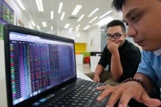 Chứng khoán sáng 14/5: VIC và FPT là lực đẩy thị trường