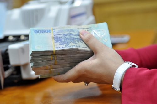 Lý do giảm lãi suất huy động của một số ngân hàng