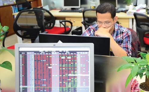 Chứng khoán chiều 17/5: CP vốn hóa lớn tiếp tục bị bán mạnh