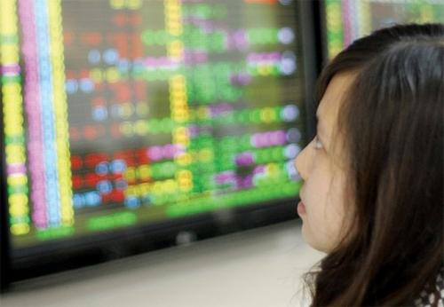 Chứng khoán sáng 18/5: Dòng tiền chưa nhập cuộc, VN-Index tiếp tục lùi sâu