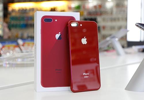 Mua iPhone 8/8 Plus đỏ tại FPT Shop được tặng 2 năm bảo hành