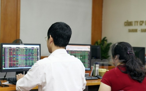 Chứng khoán chiều 21/5: VIC và BVH giảm sàn, VN-Index mất gần 26 điểm
