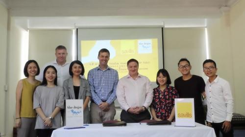 Savills Việt Nam tài trợ học bổng cho sinh viên có hoàn cảnh khó khăn