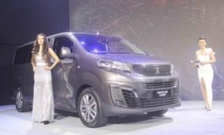 Thaco giới thiệu bộ đôi đa dụng Peugeot Traveller