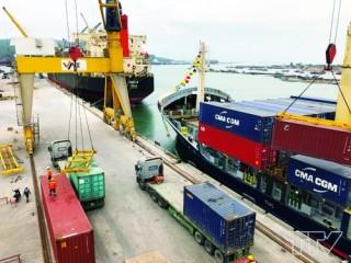 Phát triển cảng biển để tăng trưởng kinh tế