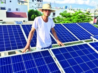 Điện mặt trời áp mái: Giải pháp hữu hiệu khi giá điện tăng