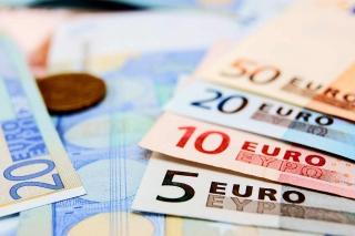 EU vay 750 tỷ Euro để phục hồi kinh tế