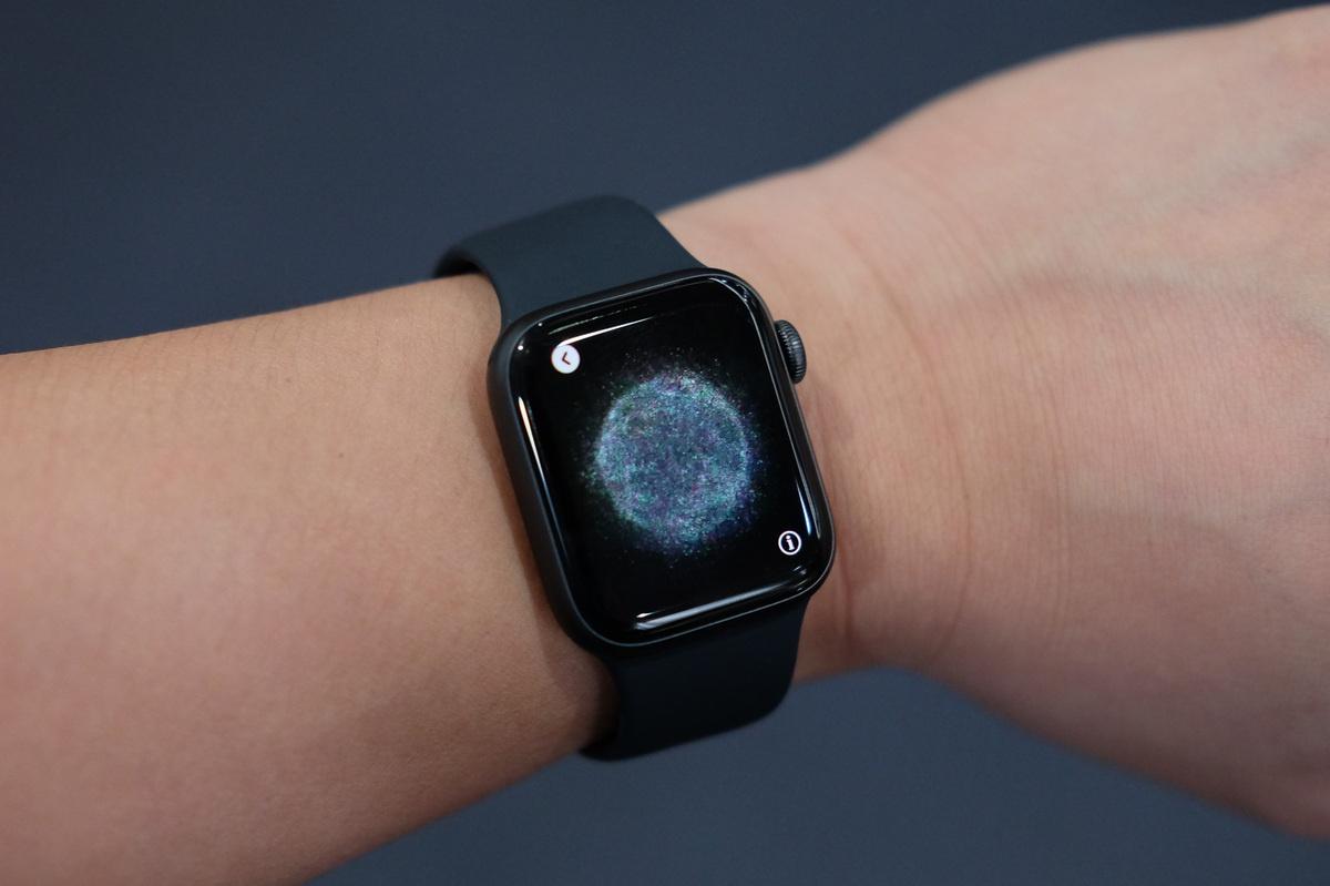 4 smartwatch dang giam gia