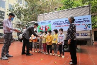 1,7 triệu hộp sữa sẽ được Vinamilk gửi đến trẻ em khó khăn
