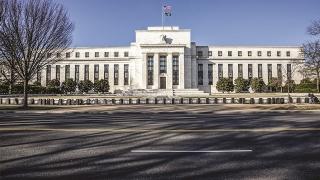 Những áp lực trong cuộc họp chính sách tháng 4 của Fed