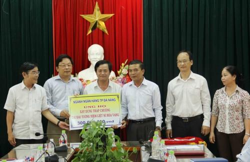 Ngân hàng TP. Đà Nẵng: Ủng hộ 300 triệu xây tháp chuông tưởng niệm liệt sỹ