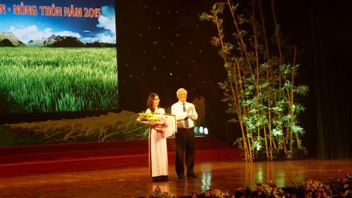 Trao giải Cuộc thi viết về nông nghiệp, nông dân, nông thôn năm 2015