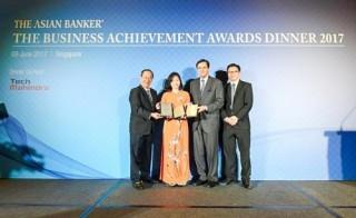 Vietcombank tiếp tục được Asian Banker vinh danh