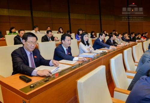 Thông qua Nghị quyết về thí điểm xử lý nợ xấu của các TCTD