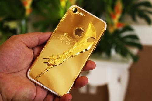 iPhone 7 mạ vàng gắn 'long đao' tại Việt Nam