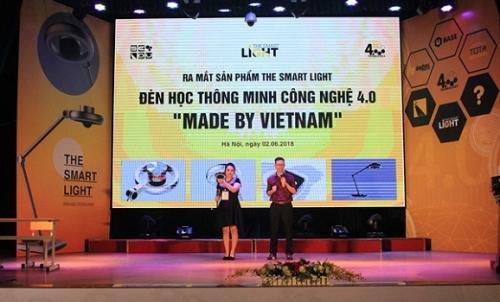 Ra mắt đèn học thông minh công nghệ 4.0