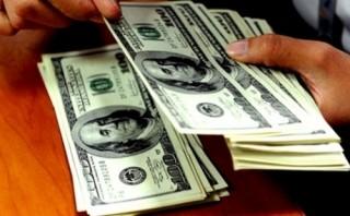 Nhiều ngân hàng tăng giá mua – bán USD