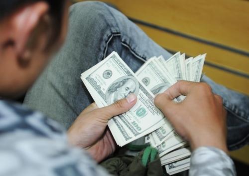 Chuyển tiền đầu tư, không qua ngân hàng là bất lợi