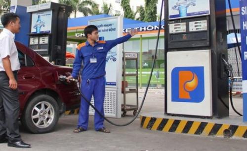 Giá xăng tiếp tục giảm mạnh cả ngàn đồng/lít