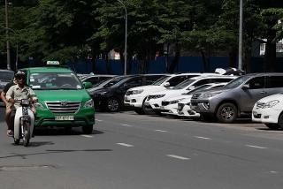 Về mức phí sử dụng lòng đường đỗ ô tô