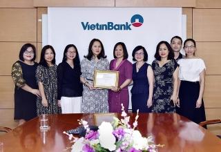 """VietinBank nhận giải """"Ngân hàng phát hành tốt nhất khu vực Đông Á và Thái Bình Dương năm 2019"""""""