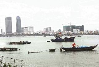 Tận diệt nguồn lợi thủy sản ven bờ
