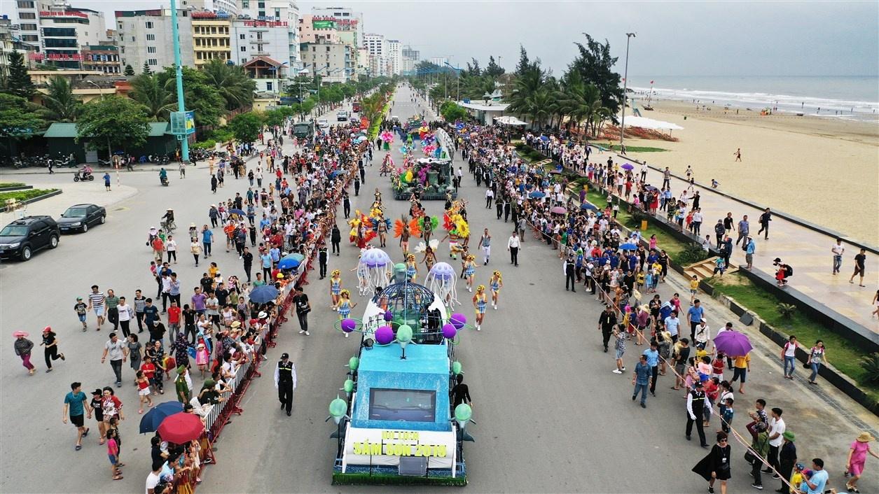 sun group mang carnival duong pho ruc ro sac mau toi le hoi du lich bien sam son 2020