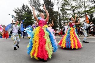 Sun Group mang Carnival đường phố rực rỡ sắc màu tới Lễ hội Du lịch Biển Sầm Sơn 2020