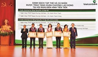 Hội nghị điển hình tiên tiến Vietcombank: Những đóa hoa lan tỏa sắc hương