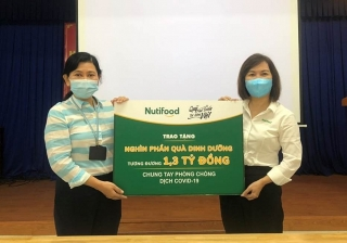 Nutifood và Ông Bầu tặng sản phẩm dinh dưỡng trị giá 1,3 tỷ đồng cho cán bộ nhân viên ngành y tế TP.Hồ Chí Minh