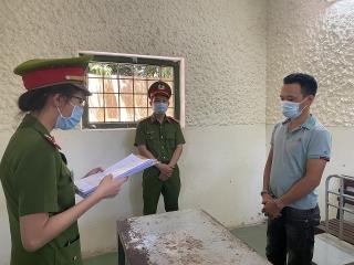 Bắt giam tài xế chống đối lực lượng làm nhiệm vụ phòng chống dịch