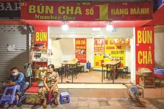 """Hàng quán Hà Nội ế ẩm thời """"bán mang về"""""""