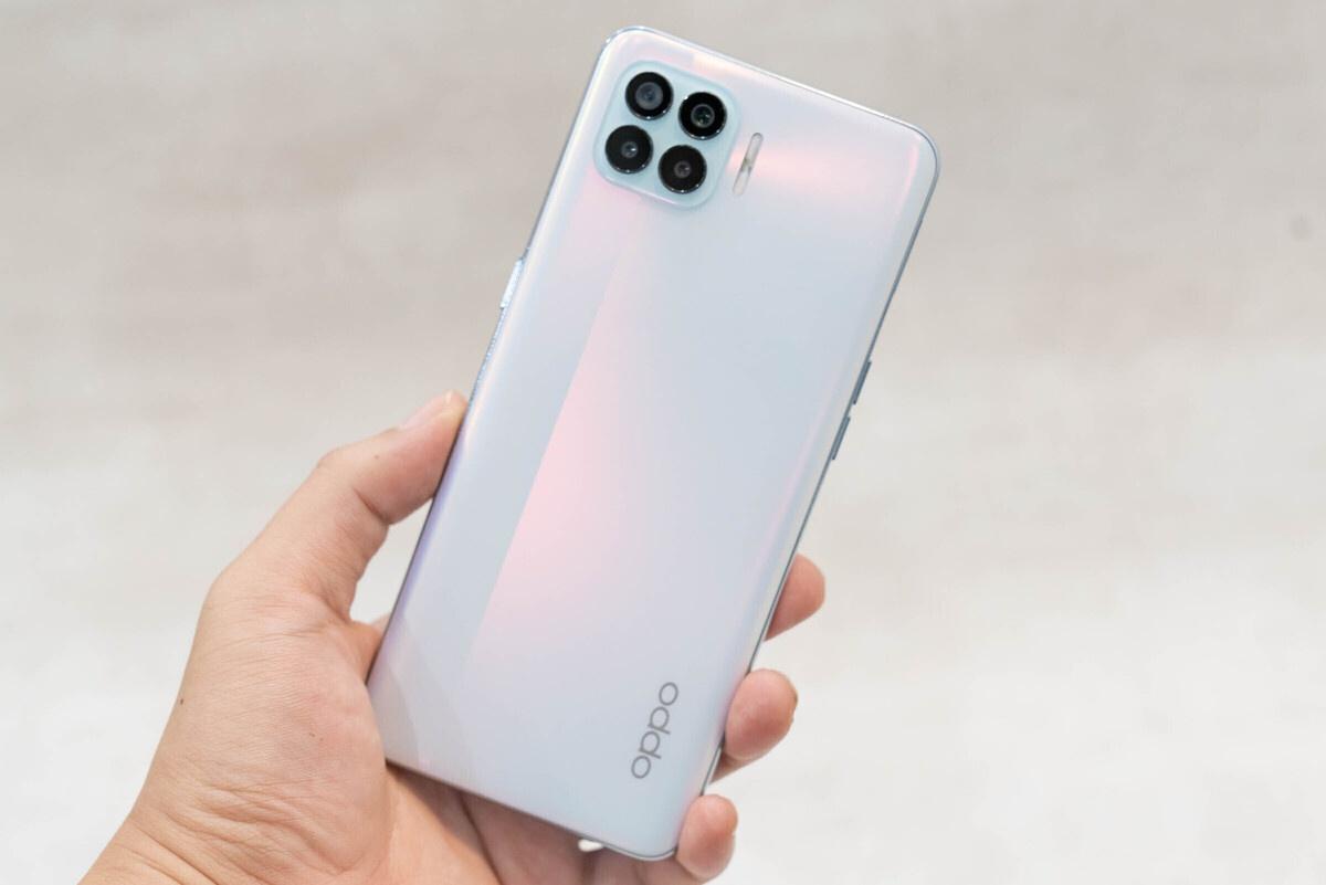 10 smartphone noi bat duoi 7 trieu dong