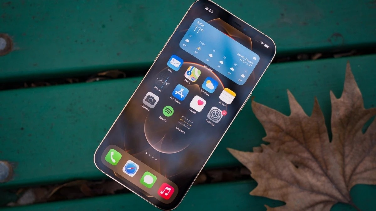 iphone nam sau co the tich hop cam bien van tay duoi man hinh giong android