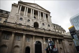 Ngân hàng trung ươngAnh giữ nguyên chính sách tiền tệ siêu nới lỏng