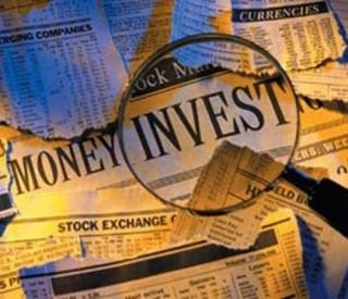 """Nhà đầu tư nước ngoài """"nẫng"""" vốn trong nước"""