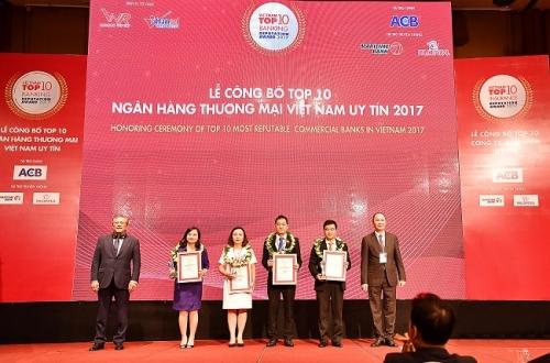 Vietcombank được vinh danh là ngân hàng uy tín nhất năm 2017