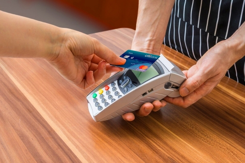 Trải nghiệm thẻ ghi nợ Mastercard với công nghệ mới của Citi