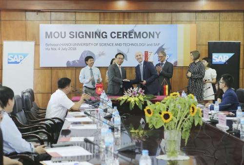 SAP và Đại học Bách khoa Hà Nội hợp tác đào tạo nhân tài cho CMCN 4.0