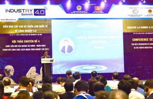 NHNN đã chủ động đề xuất xây dựng hành lang pháp lý cho ngân hàng số
